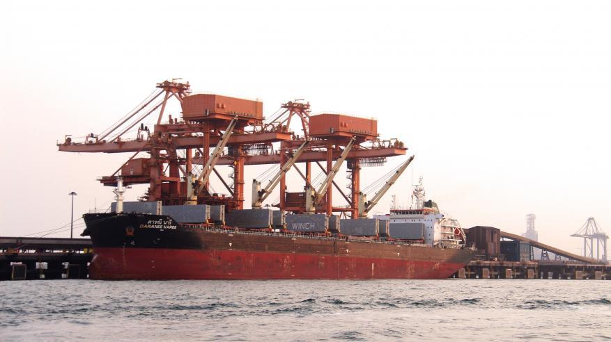 """""""فالي"""" تنجز مناولة 135 مليون طن متري من الحديد مع استقبال الناقلة رقم 1000"""
