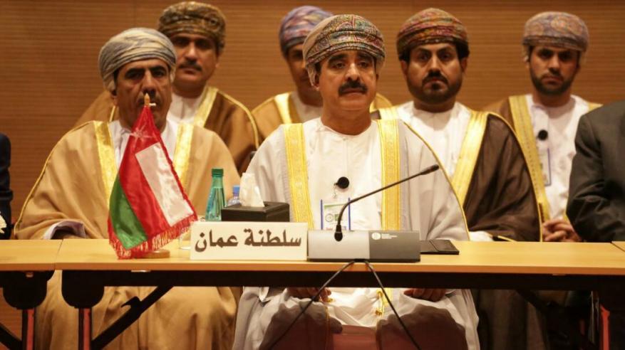 حمود بن فيصل يترأس وفد السلطنة في اجتماع وزراء الداخلية العرب بالجزائر