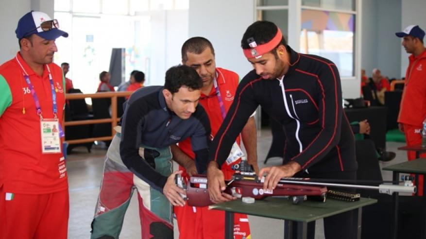جانب من تجهيزات فريق الرماية أثناء التدريب استعدادا لمنافسات دورة الالعاب الاسيوية الثامنة عشر باندونيسيا
