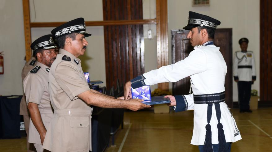حفل تسليم الشهادات الدراسية للضباط الخريجين 11
