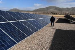 شاهد .. إطلاق أول خط قطار في العالم يعمل بالطاقة الشمسية