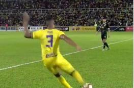 شاهد بالفيديو.. هدف خيالي في الدوري الماليزي