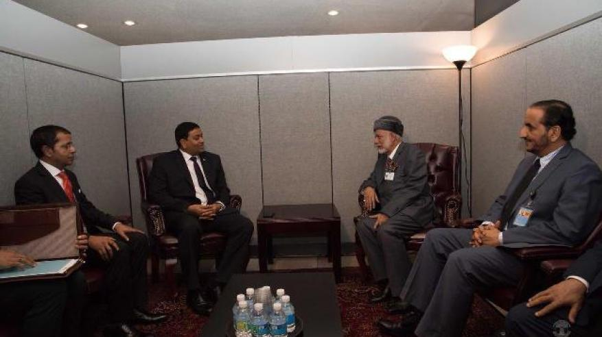بن علوي مع وزير خارجية المالديف