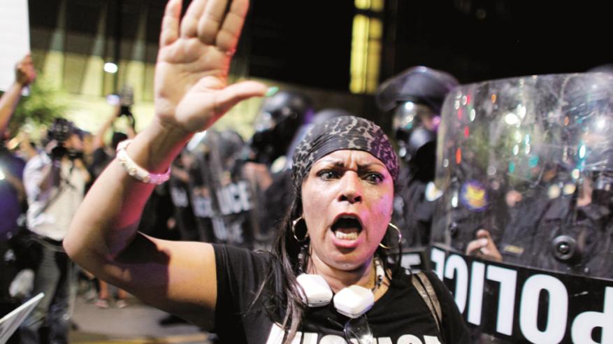 """مظاهرات الغضب ضد """"عنصرية الشرطة"""" تجتاح الولايات المتحدة"""