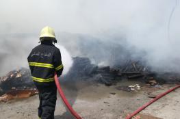 إخماد حريق شب في مخزن بسمائل