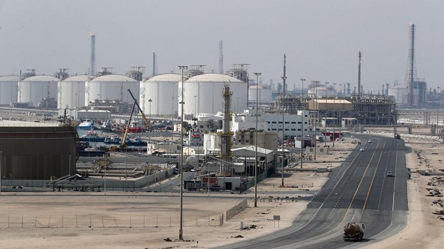 قطر تسد فجوة الغاز المسال في الإمارات بعد تعطل خط أنابيب