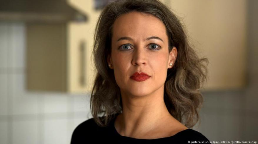 كاتبة ألمانية تطالب بعدم الإنجاب للحفاظ على البيئة