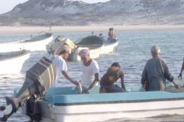 سقوط عصابة سرقة محركات وبطاريات قوارب الصيد بشمال الباطنة
