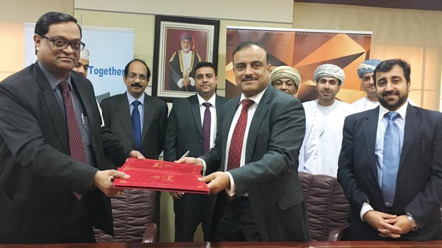 """اتفاقية بين بنك صحار و""""فالكون العربية"""" لطرح منتجات تأمين"""