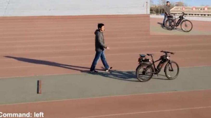 بالفيديو.. الصين تبتكر دراجات هوائية ذاتية القيادة
