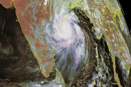 """الإعصار """"فاني"""" يتطور إلى الدرجة الخامسة ويهدد 800 ألف شخص في الهند"""