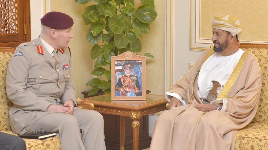 بدر بن سعود يبحث التعاون مع مستشار وزارة الدفاع البريطانية
