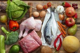 الأطعمة الصحيّة تغيب عن برامج الطبخ في رمضان.. ومتخصصون: التمر والماء الأفضل على السحور