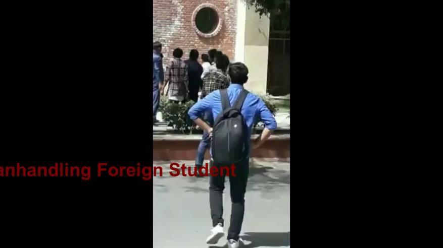 بالفيديو.. الاعتداء على طالب يمني بالهند