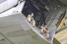 شاهد..كاميرا مصور بريطاني ترصد سلوكاً مخيفاً على طائرة عسكرية
