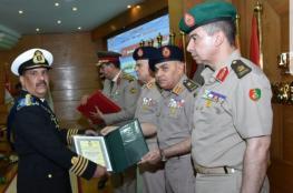 أحد ضباط البحرية السلطانية يحصل على المركز الأول بأكاديمية ناصر