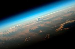 الكشف عن ظواهر غريبة بالغلاف الجوي للأرض