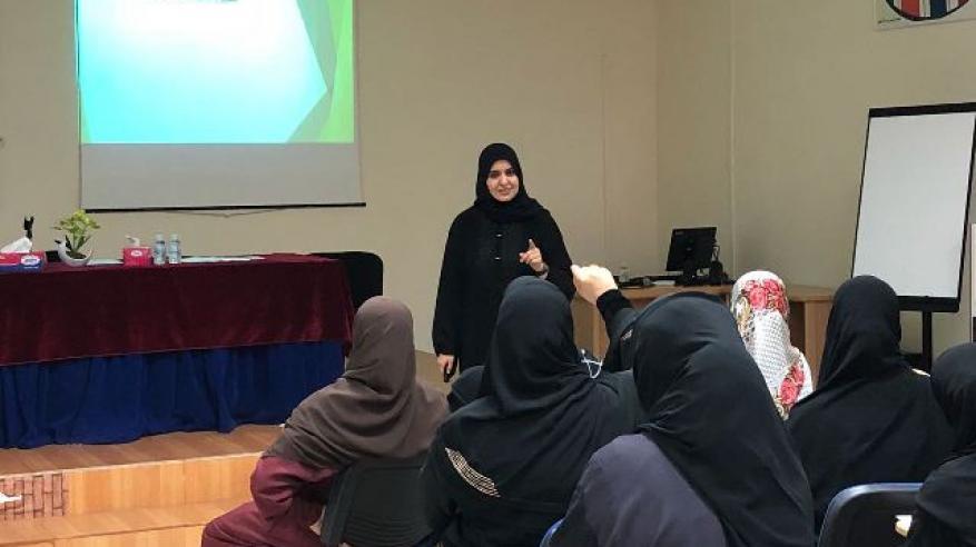 كلية التربية بجامعة السلطان قابوس تنظم لقاء مع مديري المدارس الشريكة بالسيب