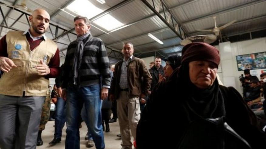 انفجار سيارة مفخخة في مخيم للاجئين على الحدود الأردنية السورية
