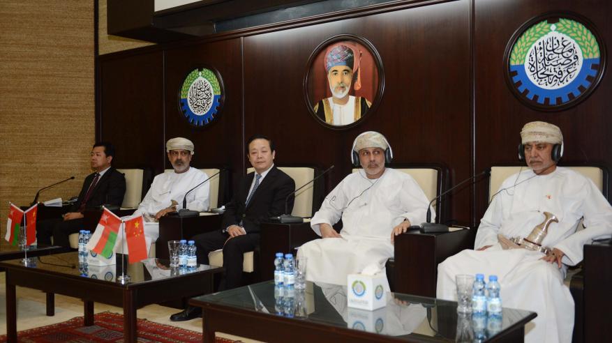 """ملتقى أعمال عماني صيني بـ""""الغرفة"""" لتعزيز التبادل التجاري"""