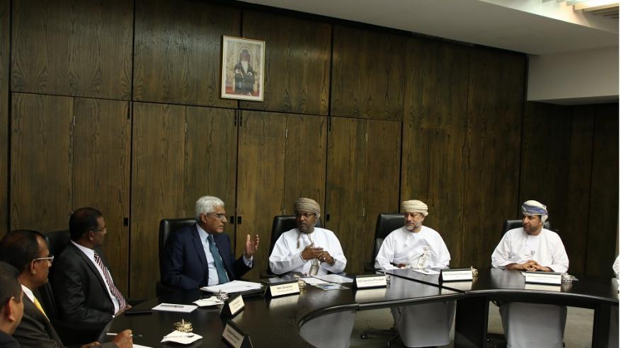 بحث أوجه التعاون المصرفي بين السلطنة وسريلانكا