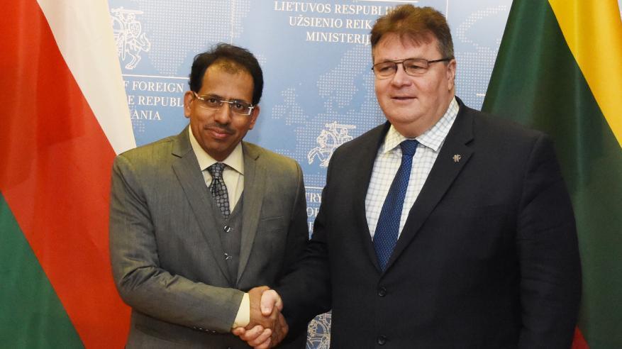 وزير الإعلام يناقش العلاقات الثنائية مع وزير خارجية ليتوانيا