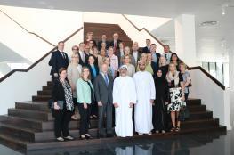 سفراء فنلندا في الشرق الأوسط وشمال إفريقيا يزورون المدرسة الفنلندية العمانية