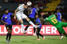 """الجزائر بكامل قوته للعبور.. وغينيا """"بلا أنياب"""" في خط الوسط"""