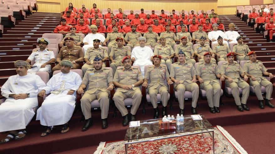رئيس أركان قوات السلطان المسلحة يلتقي الفرق الرياضية العسكرية
