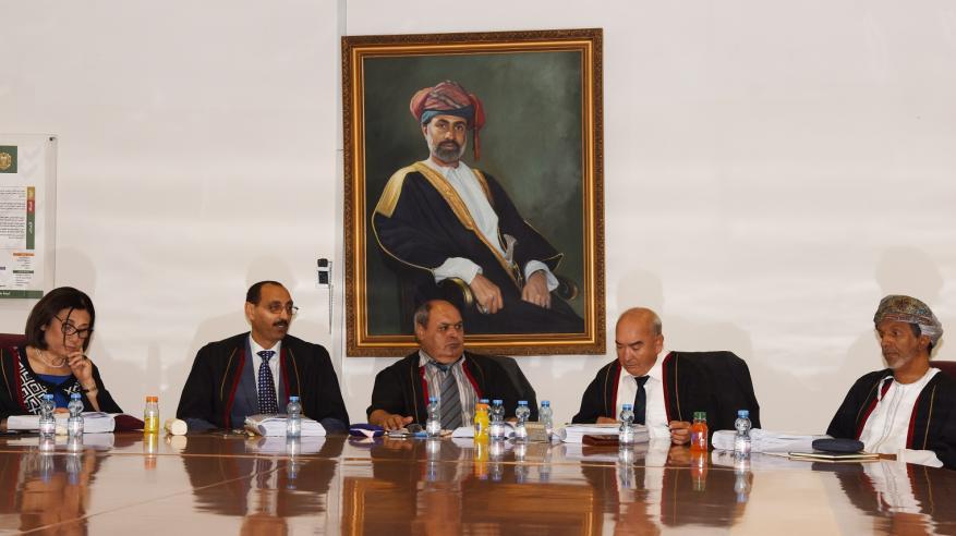 رسالة ماجستير في جامعة السلطان قابوس حول التأريخ للأدب العربي