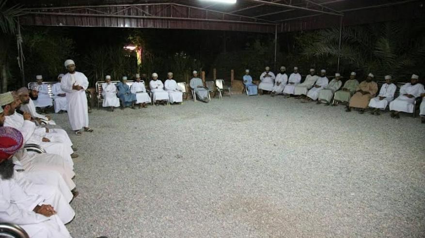 اللجنة الشبابية بنادي الرستاق تحتفل بيوم الشباب العماني