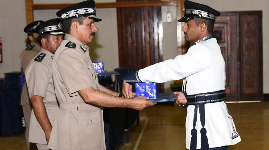 حفل تسليم الشهادات الدراسية للضباط الخريجين 7