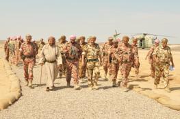 """بدر بن سعود يتفقد مسرح العمليات البري لـ """"الشموخ2"""" و""""السيف السريع3"""""""