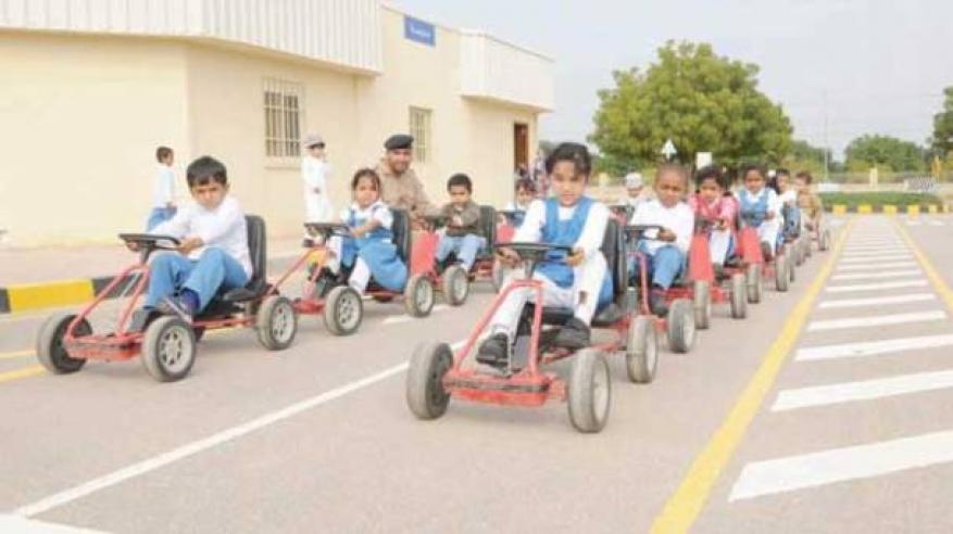شرطة عمان السلطانية تواصل جهود التوعية بالوسائل المختلفة2