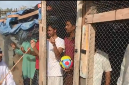بالفيديو.. القبض على إماراتي احتجز هنودا في قفص بسبب مباراة الإمارات والهند
