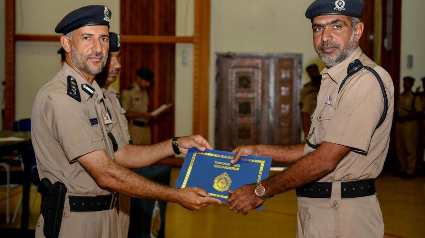 اختتام دورة تأهيل وتطوير المهارات بأكاديمية الشرطة