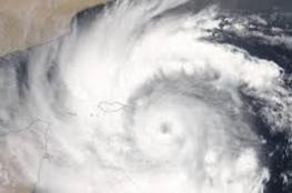 إعصار شانشان يضرب اليابان .. صباح الغد