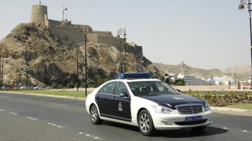 9 قضايا تنتظر 4 مواطنين انتحلوا صفة رجال الشرطة في مسقط