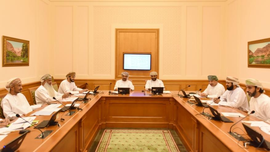 """""""قانونية الشورى"""" تناقش مشروع القانون الخليجي الموحد المنظم لأنشطة البريد"""