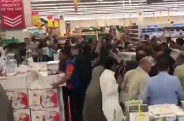 بالفيديو... متجر في الكويت يتحول إلى ساحة حرب