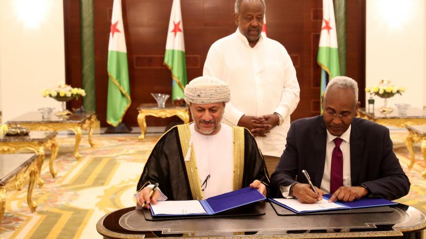 تعاون إسترايتيجي بين السلطنة وجيبوتي لاستثمار وتطوير وإدارة الموانئ