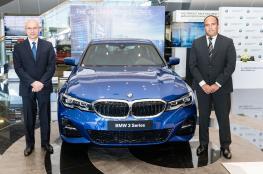 """""""الجنيبي العالمية"""" تطرح BMW الفئة الثالثة 2019 الجديدة"""