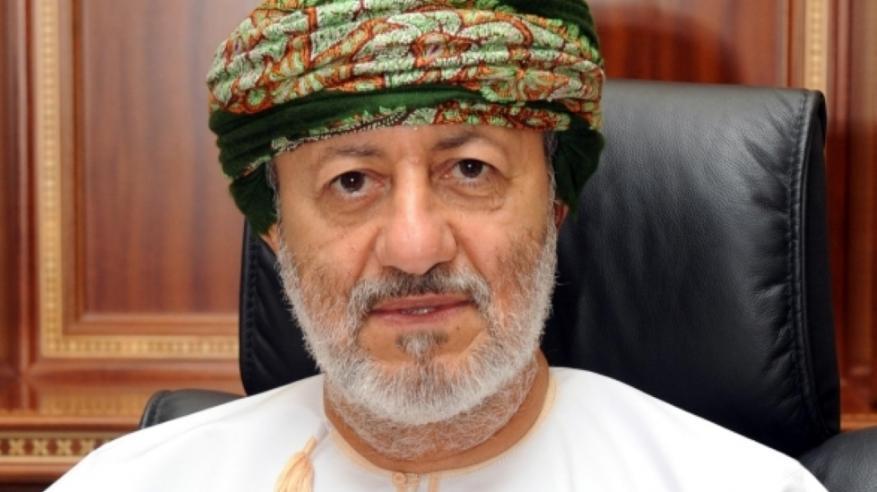 وزير الدولة ومحافظ ظفار يشهد هبوت المدن
