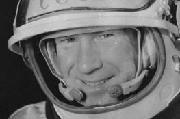 """وفاة أول إنسان """"مشي في الفضاء"""" في ظروف غامضة"""