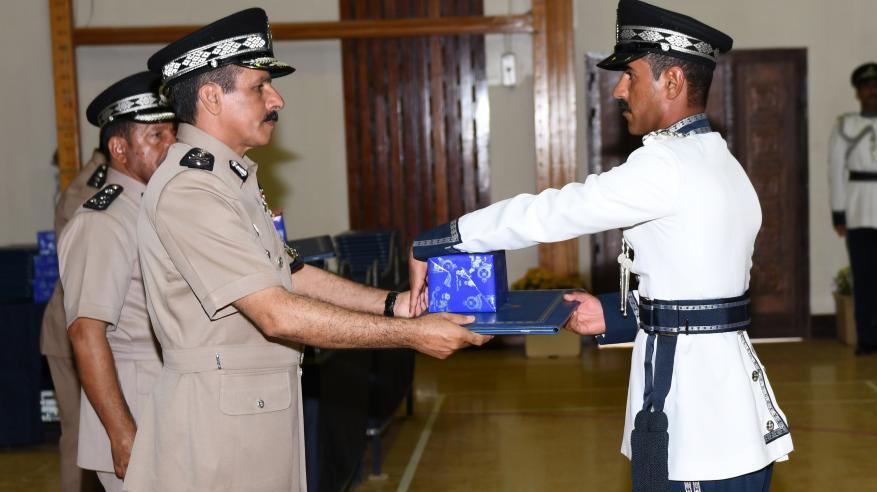 حفل تسليم الشهادات الدراسية للضباط الخريجين 8