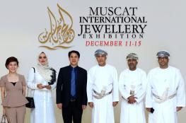 قطع الألماس والأحجار الكريمة تتلألأ في معرض مسقط للمجوهرات.. 11 ديسمبر