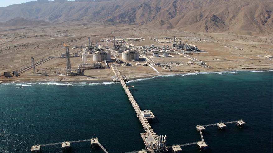 """""""العمانية للغاز المسال"""" توقع اتفاقيتين لإنشاء محطة للطاقة الكهربائية بمحركات الغاز"""