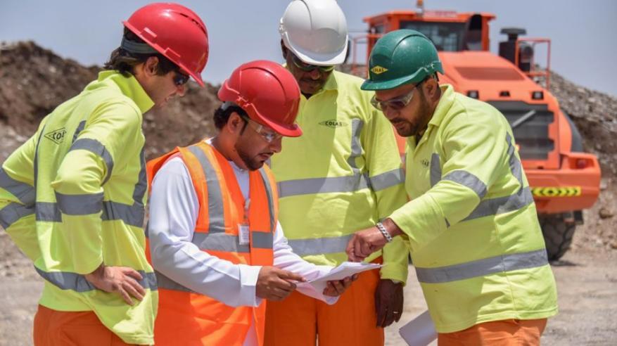 مسؤولون: برامج تأهيل وتشغيل متعددة في شركات النفط والغاز لتوظيف الشباب.. والقطاع يسجل نسب تعمين مرتفعة