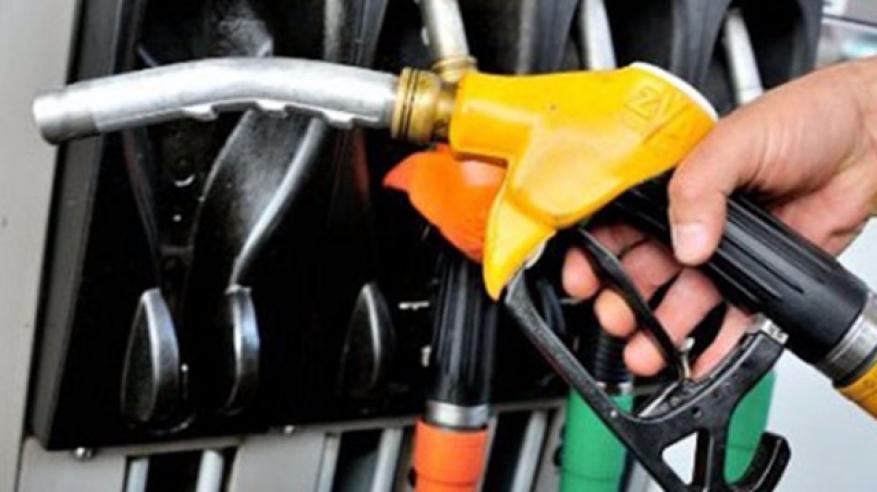 """""""التجارة والصناعة"""" تنفي إغلاق محطة وقود بولاية عبري"""