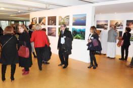 """معرض """"ملامح من عمان"""" في باريس يبرز المعالم التاريخية والحضارية للسلطنة"""